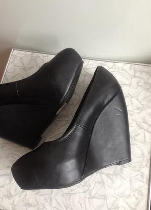 Sale шикарные туфли на платформе танкетке 37