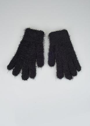 Пушистые перчатки травка