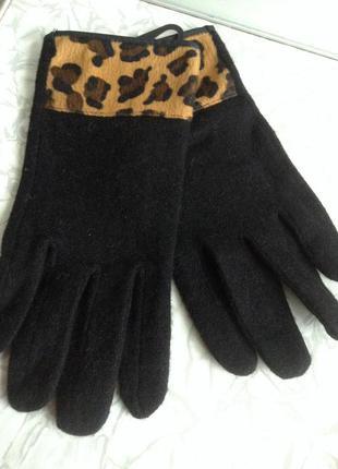 Шерстяные перчатки с леопардовым принтом