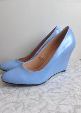 #розвантажуюсь голубые туфли лодочки на платформе