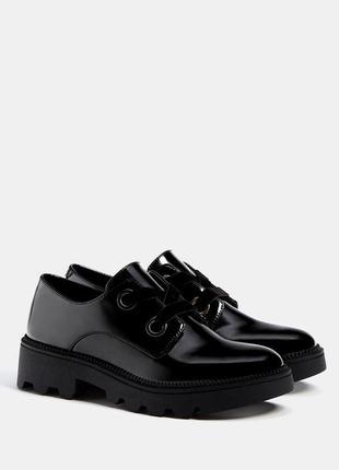 Sale туфли броги оксфорды с бархатными шнурками bershka 36 37