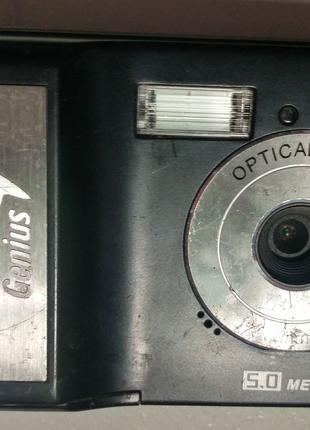 Цифровой фотоаппарат Genius G-Shot 501 V2 5.51Мп с записью видео