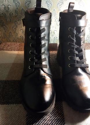 Женские ботинки в стиле милитари 42 размер