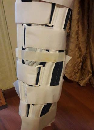 Тутор шина бандаж на коленный сустав с ребрами жесткости