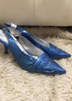 Новые!босоножки, туфли, каблук,острый носок,синий перламутр,ос...
