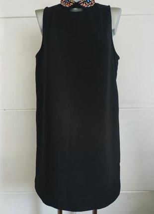 Красивое платье свободного кроя с молнией на спинке и стразами...