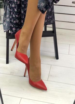Женские туфли на высоком каблуке 👠