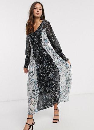Шифоновое свободное платье с комбинированным цветочным принтом...