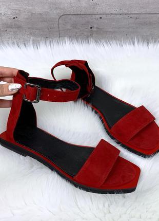 Красные замшевые босоножки на низком каблуке,красные замшевые ...