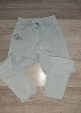 Летние джинсы мом с завышенной посадкой талией