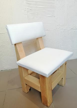Детский деревянный стульчик.
