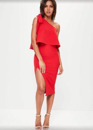 Платье на одно плечо красное от missguided.