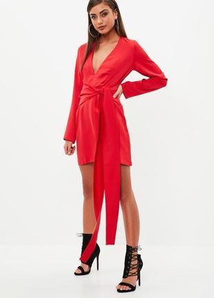 Платье красное с поясом от missguided