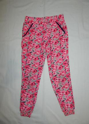 Штаны легкие модные  вискоза на девочку 8-9 лет 134 см