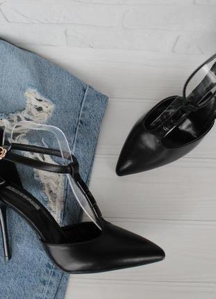 Черные туфли, лодочки, босоножки 38 размера на шпильке, каблуке