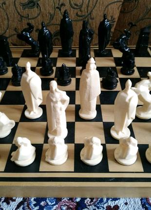 Шахматы коллекционный набор РУССКИЕ ВИТЯЗИ из СССР (выпущены в ию