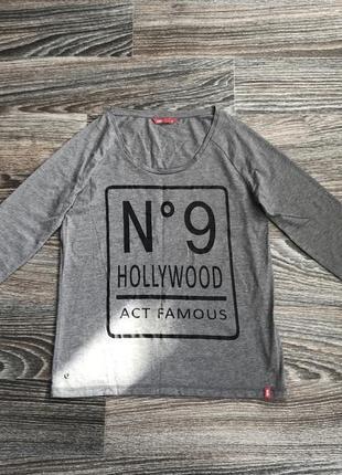 Серая футболка с длинным рукавом с надписью голливуд hollywood...