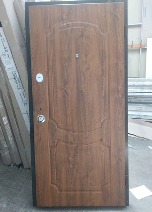 Вхідні двері Do-23