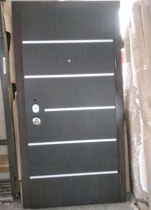 Вхідні двері AV-5