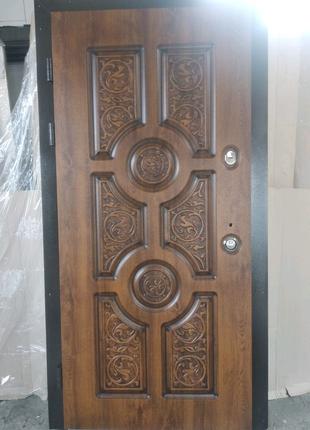 Вхідні двері S-18