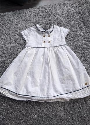 Очень крутое белое платье на маленькую леди m&s