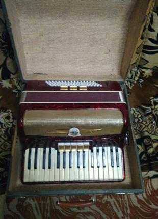 Німецький акордеон Scholler 3/4.