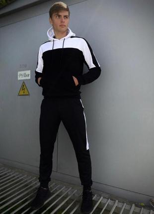 Мужской спортивный костюм черный-белый spirited intruder