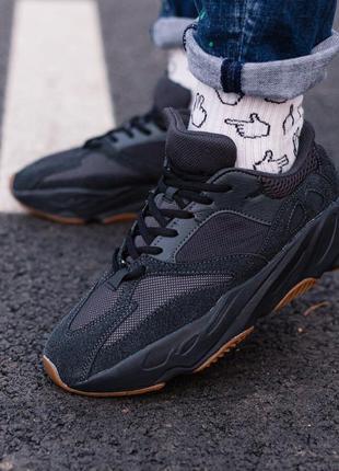 Женские кроссовки adidas yeezy boost 700 utility black
