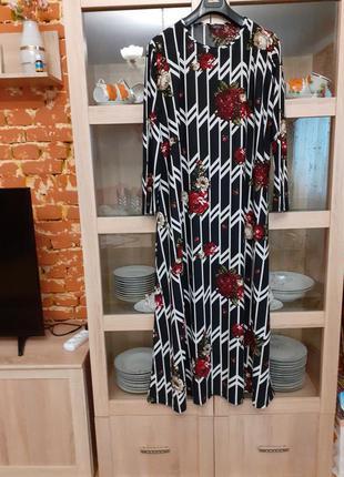 Очень красивое в цветы платье большого размера