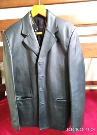 Продам кожаный пиджак.