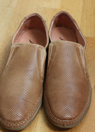 Летние туфли перфорация. очень легкие и мягкая кожа. размеры:4...