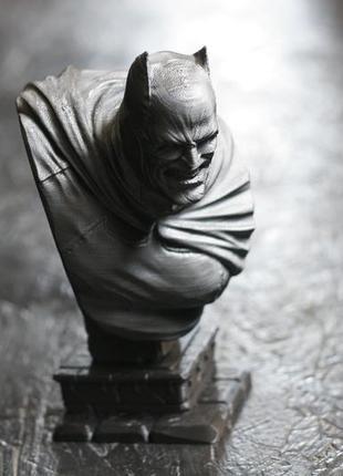 Бюст статуя статуэтка фигурка  бэтмана из вселенной dc