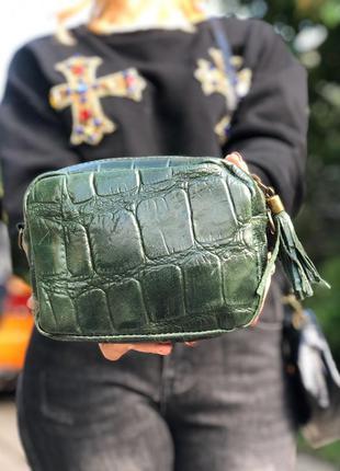 Кожаная сумочка-кроссбоди зелёная италия