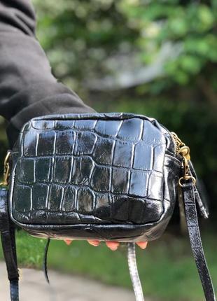 Кожаная сумочка-кроссбоди чёрная италия