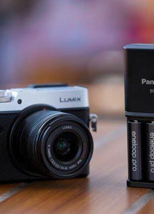 Зарядное устройство Panasonic Smart-quick Charger+eneloop Pro 4aa