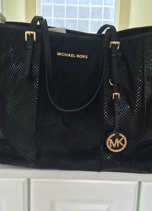 Michael kors jet set travel black mixed media haircalf сумка о...