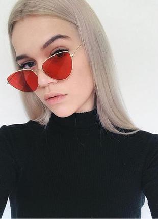 Солнцезащитные очки лисички с красными линзами
