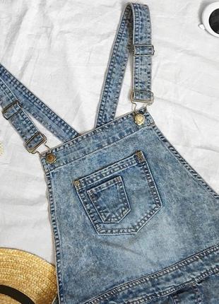 Крутой джинсовый комбинезон шортиками от denim co