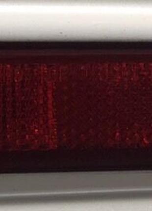 Катафот отражатель рефлектор заднего бампера Nissan Leaf 2018-