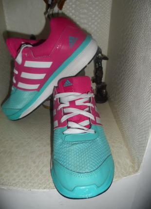 Adidas ,оригинал,яркие ,легенькие кроссовки 38р
