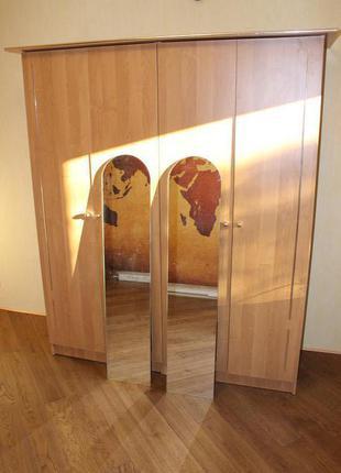 шкаф с зеркалами/шафа з дзеркалами