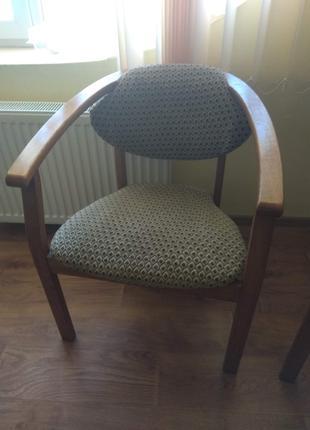 Деревянные стулья для конференции, кафе, дачи и т.п.