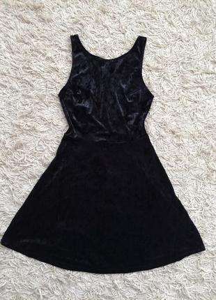 Платье бархатное велюровое с вырезом мраморное h&m divided