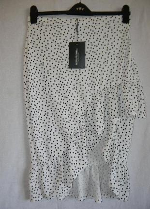Нова юбка в горошек с оборкой на запах prettylittlething