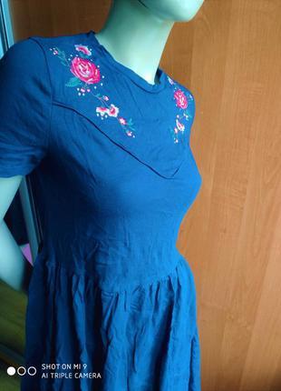 Роскошное хб платье с вышивкой