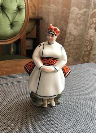 Статуэтка фарфоровая Сваха Коростень