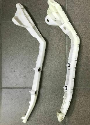 Кронштейн крепления заднего бампера Nissan Leaf 11-17