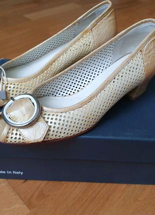 Новые элегантные туфли melluso италия кожа 24 см 36-37 р