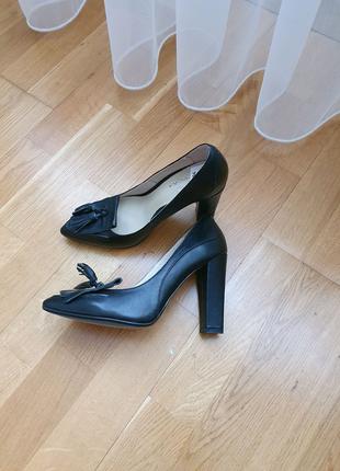 Новые! туфли braska 35-36 р. кожа осень шкіра 22.5-23 см