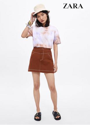 Джинсовая юбка с белой строчкой zara